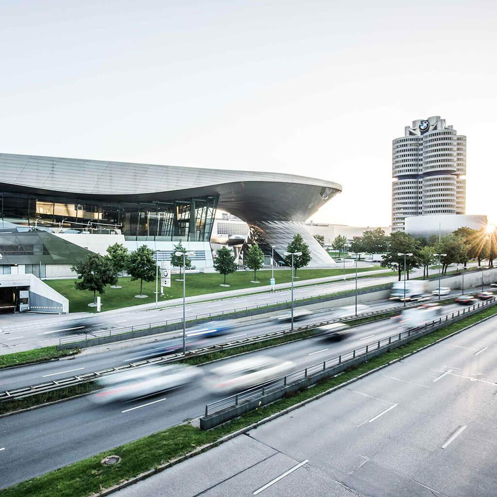 SKRUFF Designagentur Werbeagentur Rosenheim Projekte Fotografie BMW Welt München Köppel Werbefotos