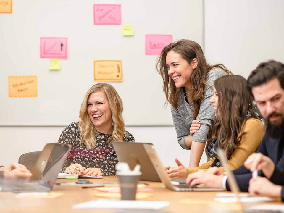 SKRUFF Designagentur Werbeagentur Rosenheim Projekte Fotografie BMWWelt joblocal Meeting