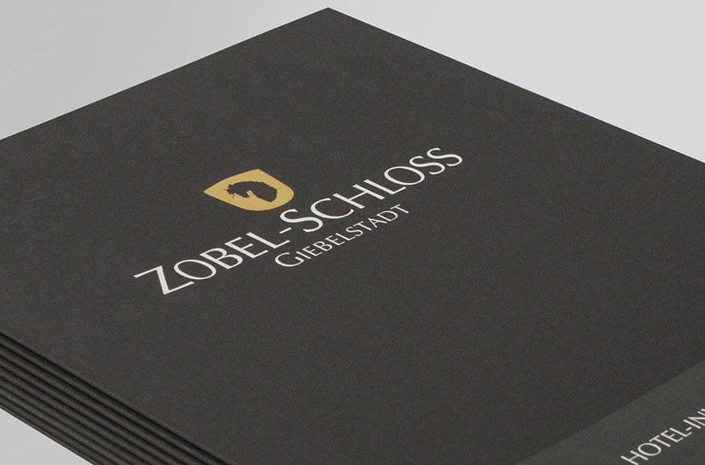 SKRUFF Designagentur Werbeagentur Rosenheim Projekte Print Design Zobel Schloss Giebelstadt Broschüre