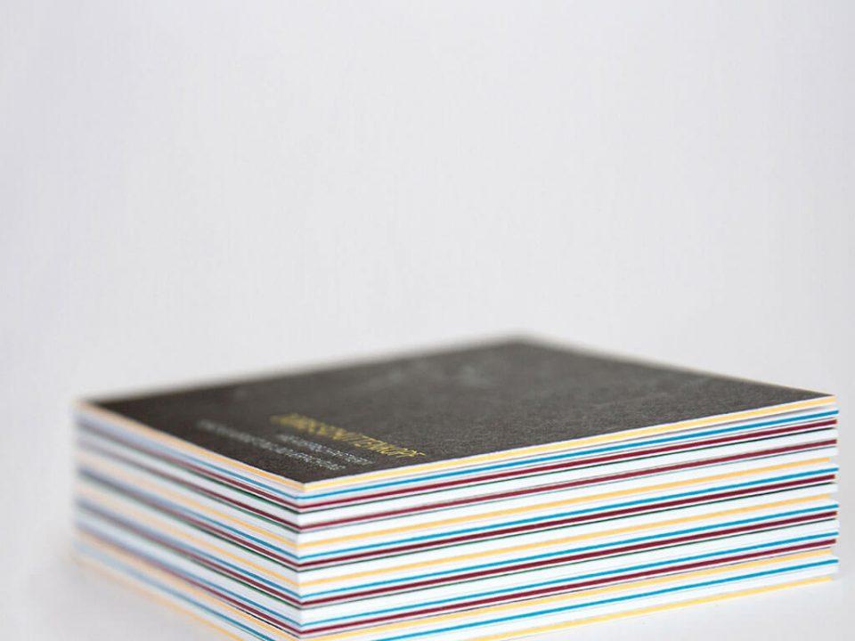SKRUFF Designagentur Werbeagentur Rosenheim Projekte Print Design farbige Visitenkarten Querschnitt